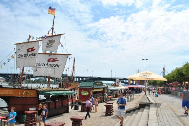 17. Mainzer Bierbörse lockt mit 400 Bieren aus aller Welt ans Rheinufer