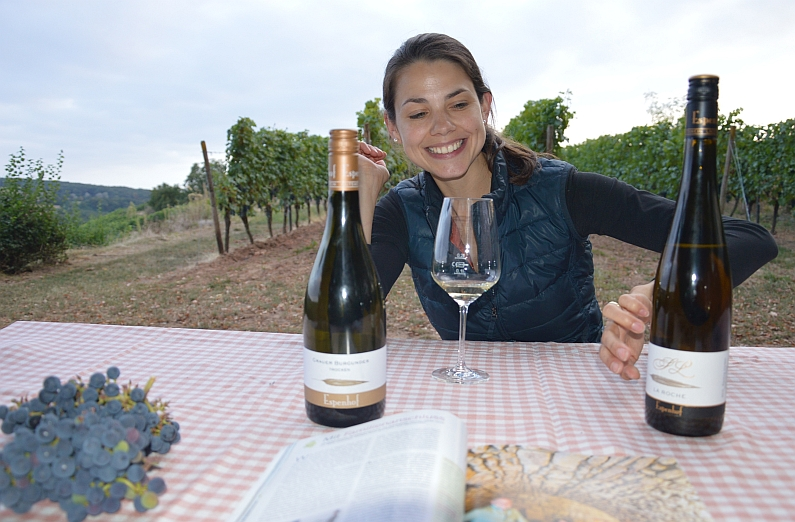 espenhof-picnic-in-the-vineyard-with-lena-foto-kirschstein
