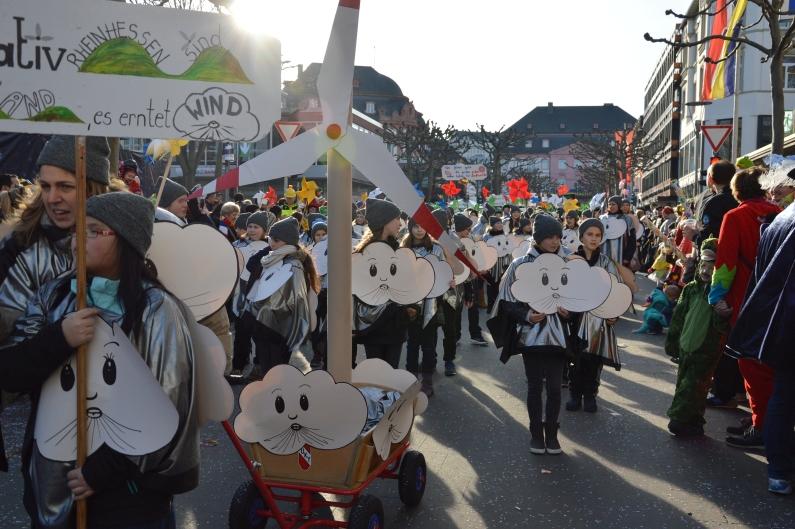 Traumwetter, tolle Kostüme - Rund 55.000 beim Jugendmaskenzug in Mainz