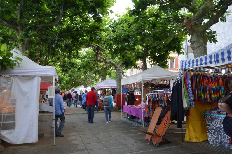 Künstlermarkt neu in der Mitte