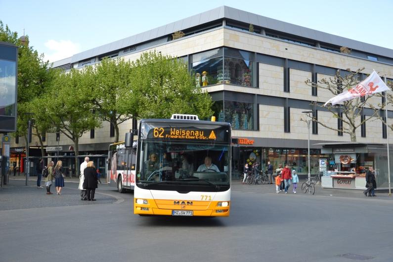 Busse und Bahnen werden teurer - Mainzer Mobilität hebt zum 1. Januar 2019 Fahrpreise an - Neue Buslinie zum Unicampus, Direktverbindung nach Hochheim