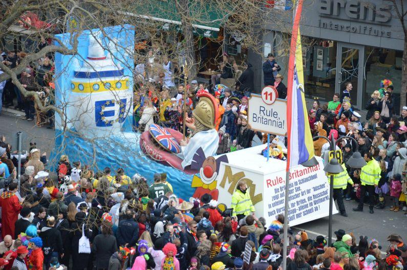 550.000 Narren feiern ausgelassen und friedlich Rosenmontag in Mainz - Aktualisiert: Abend, Polizei