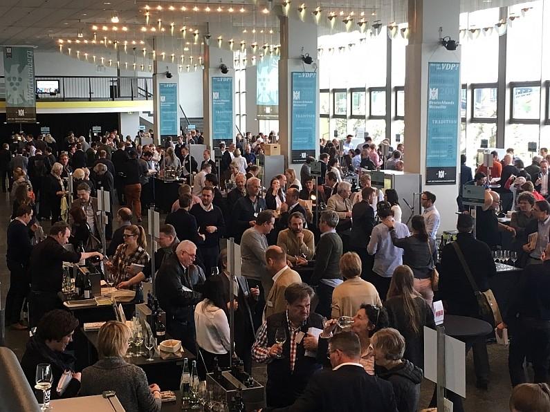 Große Weinparty und Ortswein-Preview mit Maxime Herkunft Rheinhessen - VDP Weinbörse 2019 präsentiert Jahrgang 2018