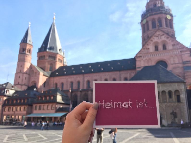 vorlesetag-2016-postkartenaktion-heimat-ist-mit-dom-foto-stadt-mainz